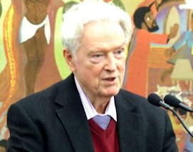 Prof. Dr. Ludwig Bußmann erläutert die Entscheidung der Jury