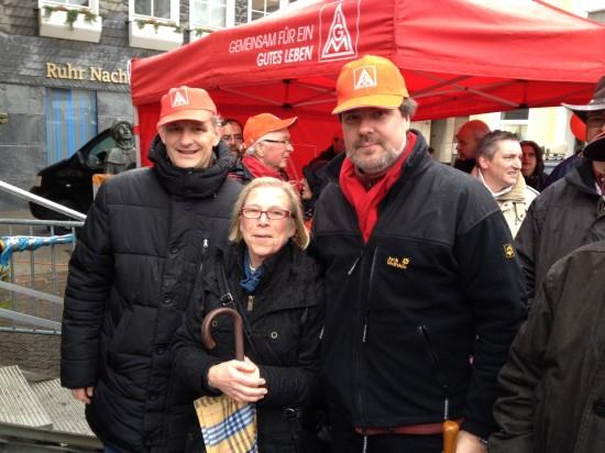 (v.l.) Landrat Michael Makiolla, Fraktionsvorsitzende der SPD im Kreistag Brigitte Cziehso, Michael Thews (MdB)