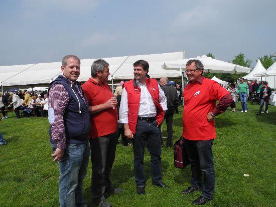 Maikundgebung im Lüner Seepark.  Sven Weber, Ratsherr Martin Püschel, Michael Thews (MdB) und Udo Kath. (v.l.)
