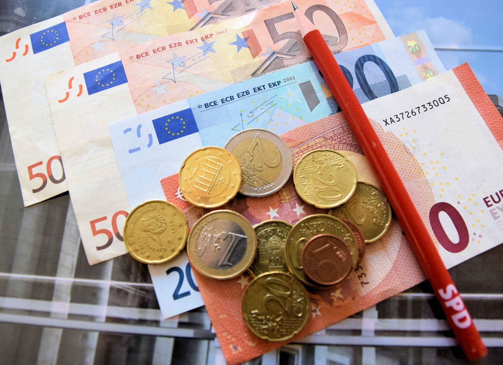 Geld Scheine und Münzen klein (2bearb)