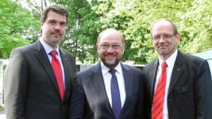 WEB Michael Thews, Martin Schulz, Rainer Schmeltzer auf dem Weg zur 150 Jahrfeier der SPD in Lünen
